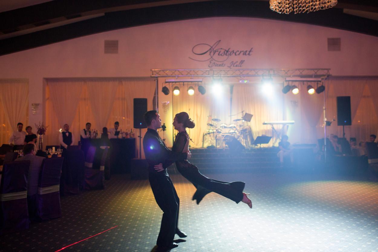 dansatori cu experienta