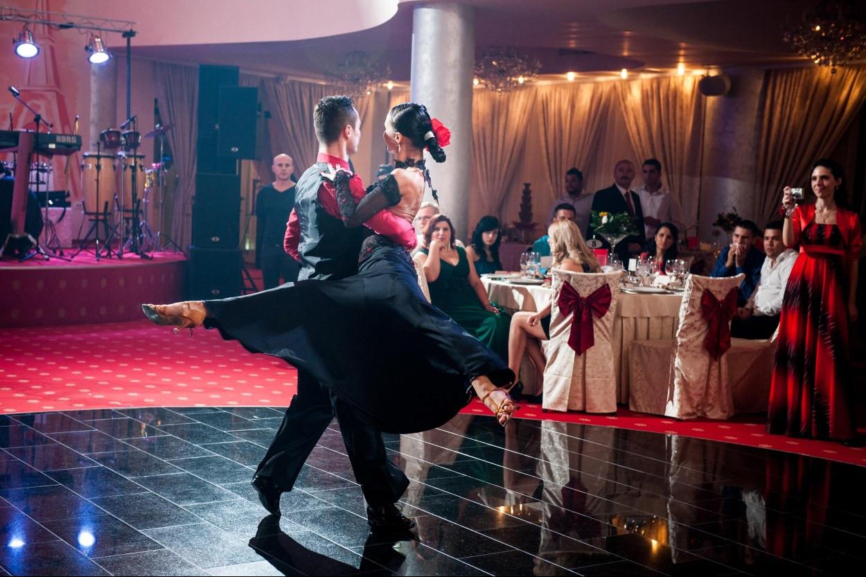 dansatori profesionisti evenimente
