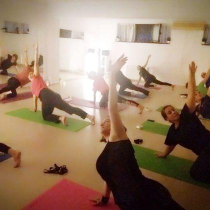 Yoga barbati si femei in Bucuresti